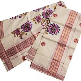 Kerala Embroidery Kasavu Mundu